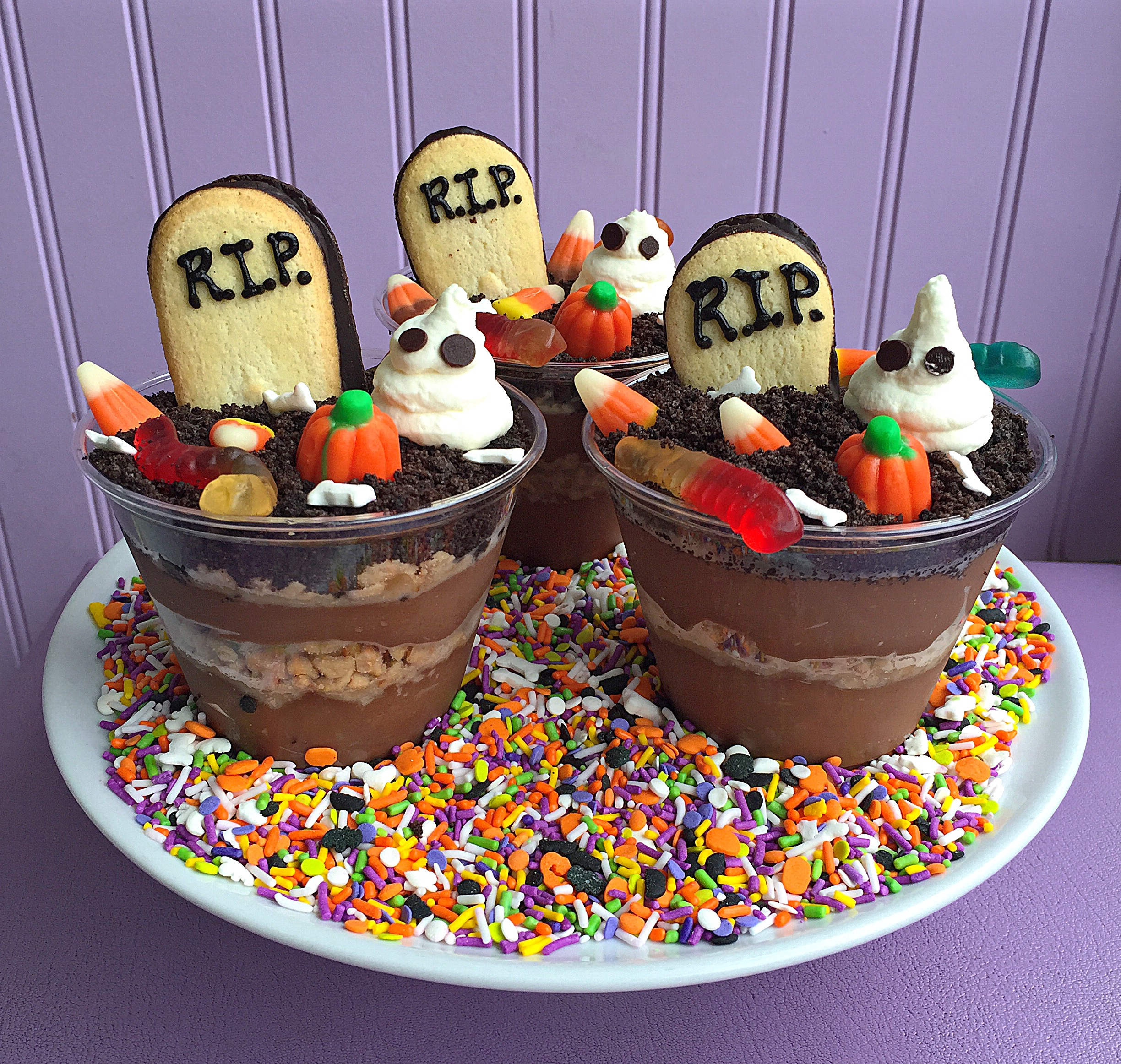 Fab Recipe: Ghoulish Graveyard Dirt Cups