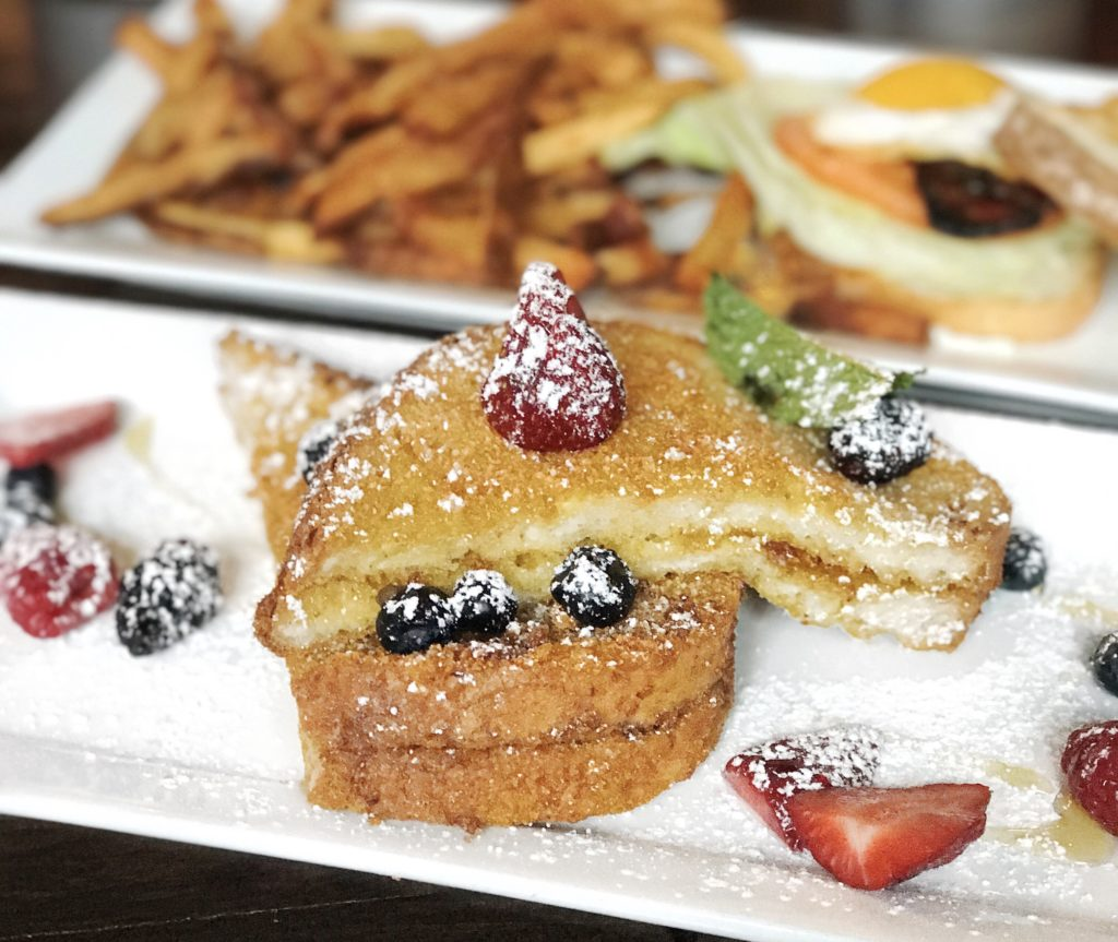 Fab Review: Green Street Local // Mamma's French Toast // Photo: @topchicagoeats