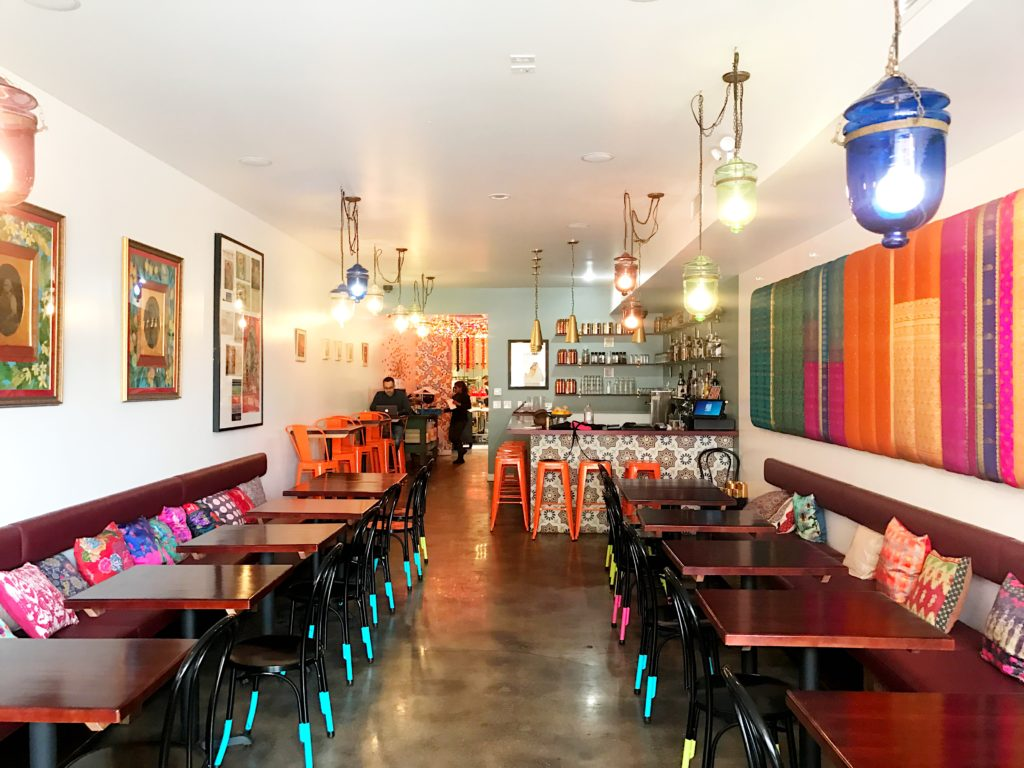 Fab Review: Brunch at Mango Pickle // Interior // Photo: @topchicagoeats