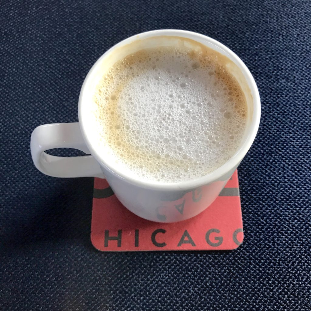 Latte at Robey Lounge // Photo: @topchicagoeats