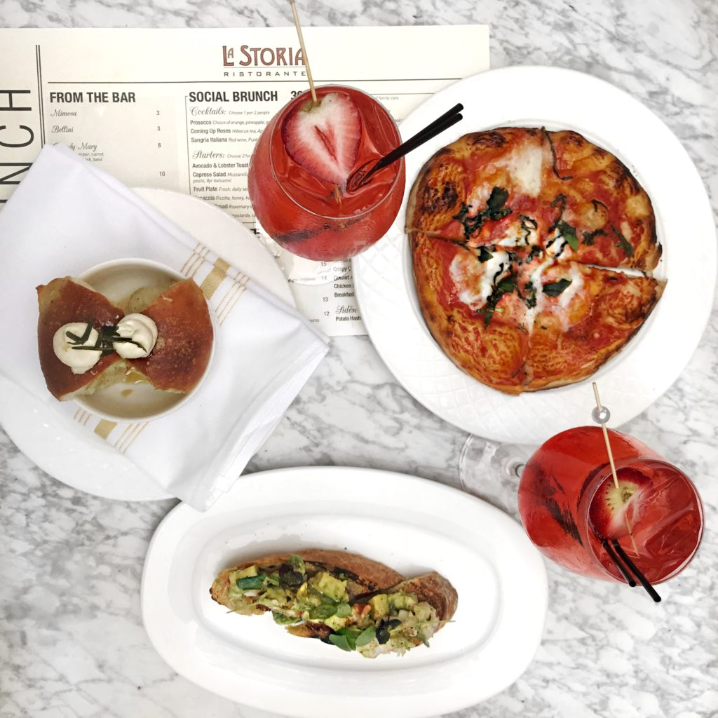 Fab Review: Brunch at La Storia // Monkey Bread, Margherita Pizza, Avocado & Lobster Toast, and Coming Up Roses Cocktails // Photo: @topchicagoeats
